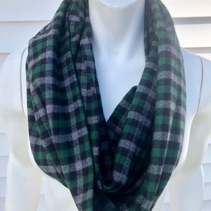 Accessories - Green plaid infinity scarf